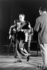 albert-camus-dancing